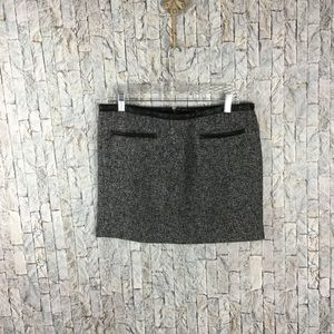 Gap gray/black tweed mini skirt w/leather accents